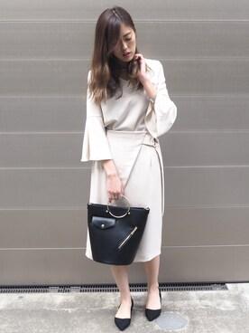 TONAL PR|MEGUMIさんの「【CLASSY.コラボ】ベルスリーブブラウスxスリットタイトスカートSET(TONAL)」を使ったコーディネート