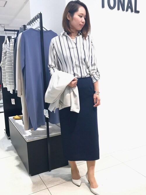 ASAIさんの「ダブルスリットロングタイトスカート(TONAL)」を使ったコーディネート