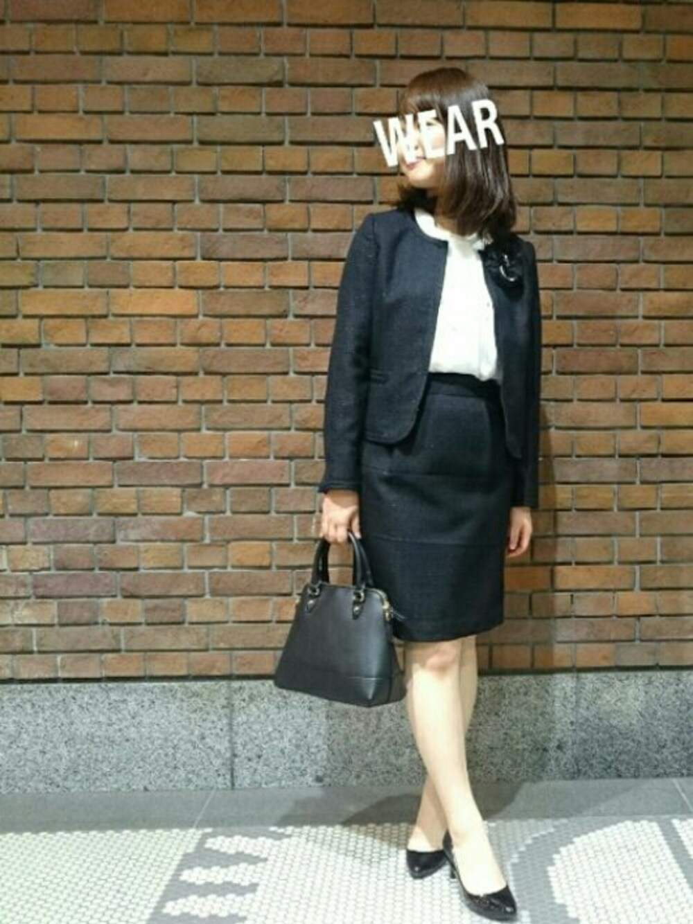 小学校卒業式ファッション 40代母 ブラックフォーマルにパールネックレス