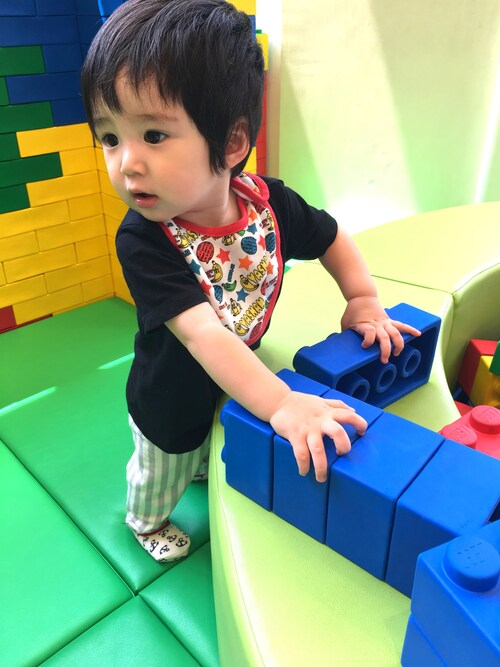 小学生英yki.h:/k._shunki使用(h&m)的時尚穿搭