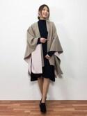 吉岡由梨子さんの「2 tone wool cape(eimy istoire|エイミーイストワール)」を使ったコーディネート