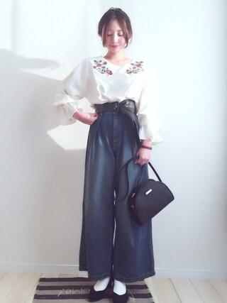 haru ♔ さんの「ボリューム袖刺繍ブラウス(THE EMPORIUM|ジ エンポリアム)」を使ったコーディネート