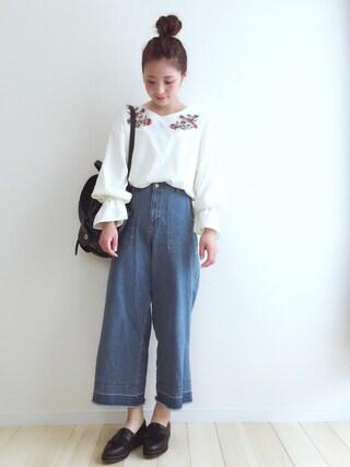 haru さんの「ボリューム袖刺繍ブラウス(THE EMPORIUM|ジ エンポリアム)」を使ったコーディネート