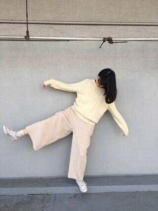 小谷実由さんの「深Vネックオールインワン(KBF|ケイビーエフ)」を使ったコーディネート