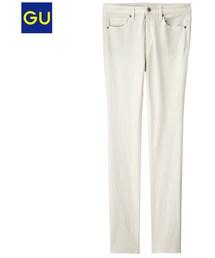 GU(ジーユー)の「(GU)スキニーパンツ OFF WHITE 55(パンツ)」