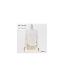 MICA&DEAL(マイカ&ディール)の「ノーカラーVネックシャツ(シャツ・ブラウス)」