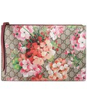 GUCCI「GG Blooms pouch(Clutch)」
