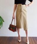 DHOLIC(ディーホリック)の「アンバランスボタンフライタイトスカート(スカート)」