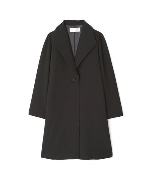 礼服の着こなしのルール8:【コート】毛皮や派手な色・デザインは避ける