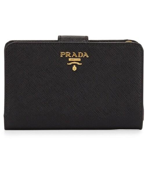 3e984c0db87f Prada(プラダ)の「Prada Saffiano Triangle Bi-Fold Tab Wallet, Black (Nero)(財布)」 -  WEAR