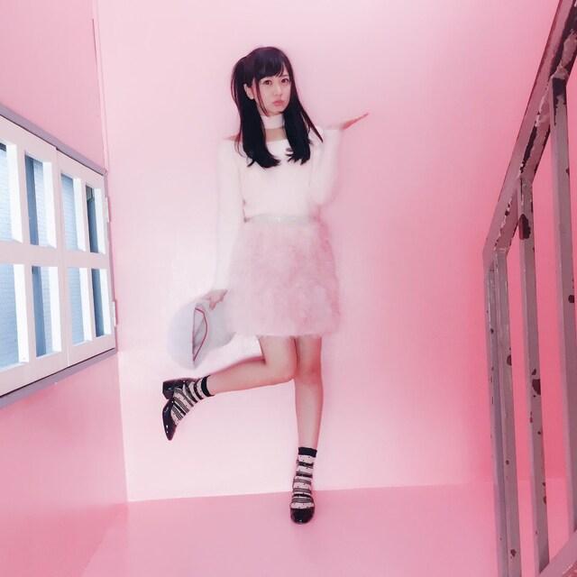 ピンクライト浜田翔子