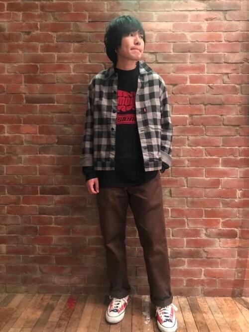 HYSTERIC GLAMOUR大阪店♪♫♬♪♬♫♪さんのTシャツ/カットソー「FIRE LOGO プリント Tシャツ(HYSTERIC GLAMOUR|ヒステリックグラマー)」を使ったコーディネート