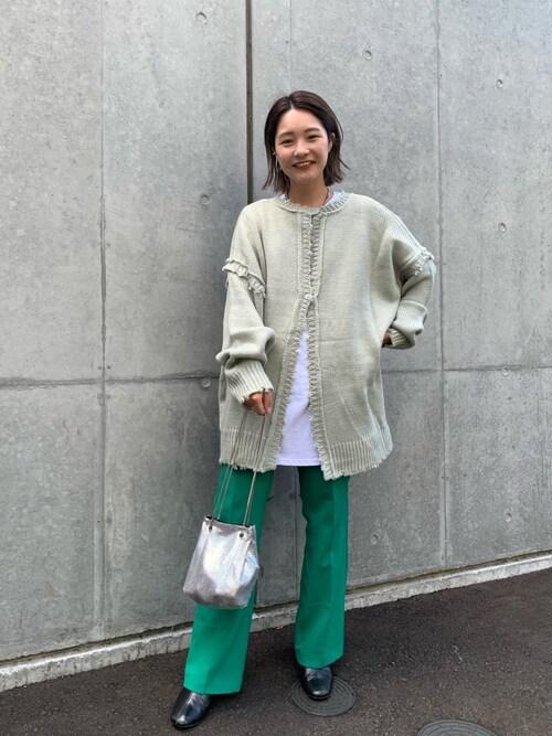 WHO'SWHOgallery 仙台店nonaka misakiさんのニット/セーター「ダメージマルチウェイニット(WHO'S WHO gallery|フーズフーギャラリー)」を使ったコーディネート