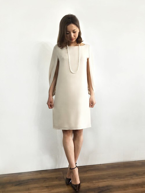 パーティードレス通販GIRLGIRL_staffさんのドレス「ケープスリーブIライン結婚式ワンピース - 二次会・成人式・同窓会・謝恩会・お呼ばれ対応フォーマルパーティードレス(GIRL|ガール)」を使ったコーディネート