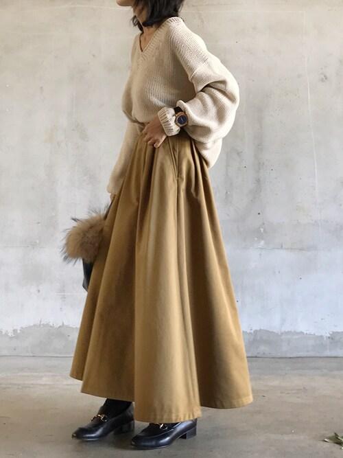 #5 ロングスカート×ローファーのコーデ