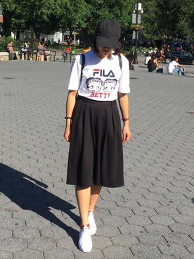 "Amilia is wearing FILA ""【FILA】プリントTシャツ"""