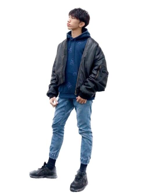 ANDOREさんの「スティッカーボム [STCKERBOMB HOODIE] アディダスオリジナルス(adidas)」を使ったコーディネート