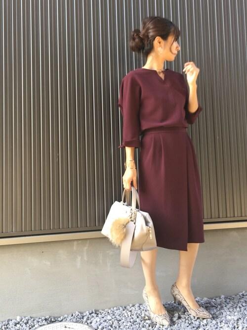 Haru☆さんの「【CLASSY.コラボ】(洗える/シワになりにくい/ストレッチ機能)スリットネックブラウスxタイトスカート セットアップ(TONAL)」を使ったコーディネート