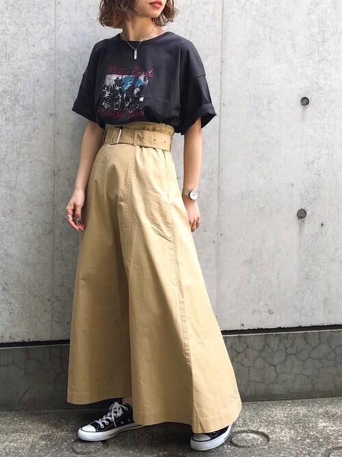 Hinechiさんの「BIGシルエットロックTシャツ(PAGEBOY)」を使ったコーディネート