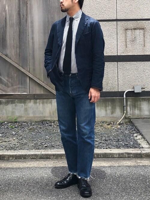 ohigeと呼ばれた男氏がWEARに投稿したコーデ|ジーンズのカジュアル感と、シャツやジャケットのドレス感の橋渡しとして、ニットタイが活躍。コーデ全体を整えていますね。
