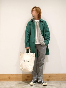 coen coen KA23さんのトートバッグ「【WEB限定カラー:シルバー】coen2WAYロゴトートバッグ(coen コーエン)」を使ったコーディネート
