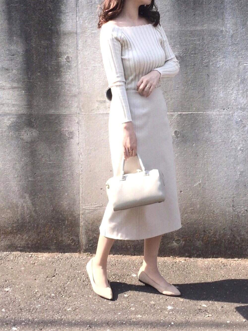 fifth 学芸会のママファッション 写真 ホワイトベージュコーデ 優しいママコーデ