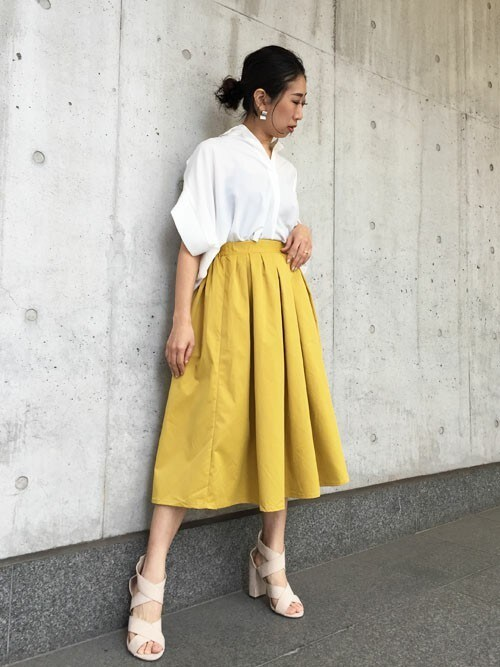 Yumiさんの「マットタフタミモレ丈フレアースカート(Settimissimo)」を使ったコーディネート