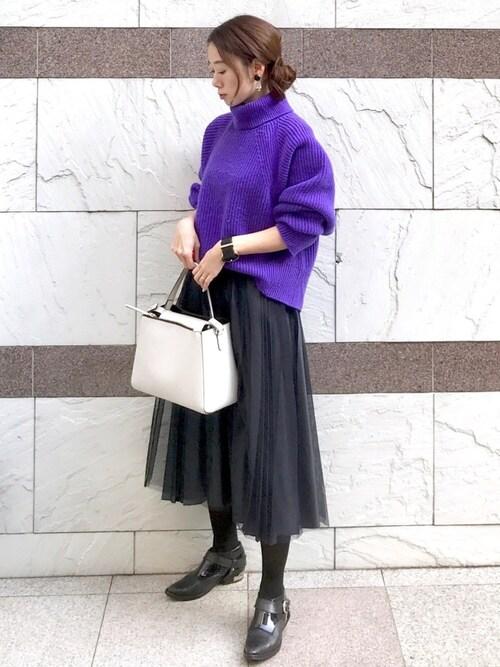 紫タートル×グレーチュールスカート冬コーデ