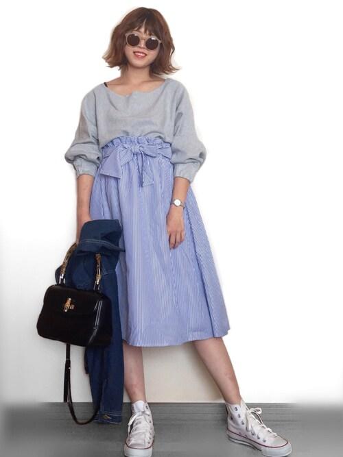 Miiさんのスカート「リボンストライプフレアスカート フレアスカート ストライプスカート ロングスカート 膝下丈 膝丈 ストライプ柄(MODE ROBE|モードローブ)」を使ったコーディネート