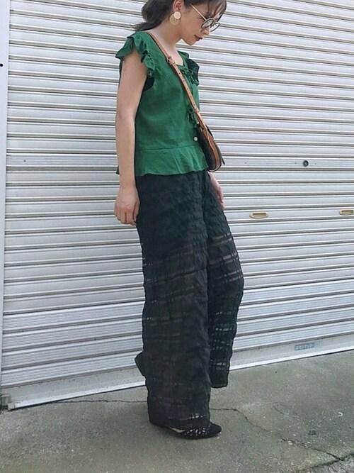 悠喜さんのパンツ「シースルーチェックワイドパンツ  ワイドロングパンツ(MODE ROBE|モードローブ)」を使ったコーディネート