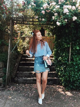 "Maddie Greer is wearing Paula Cademartori ""Paula Cademartori Alice Multicolor Leather Shoulder Bag"""