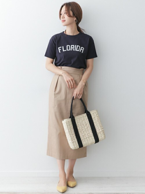 DOORS WOMENSさんの「CITY PRINT T-SHIRTS(URBAN RESEARCH DOORS)」を使ったコーディネート