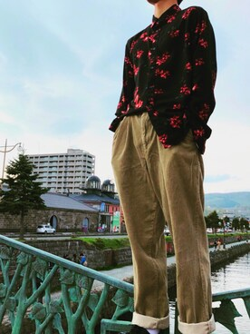 シマリス is wearing DOCKERS