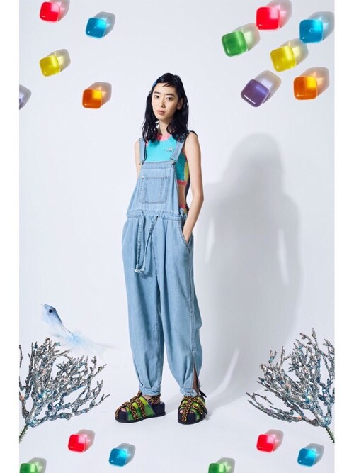 PAMEO POSEさんの「Denim Big Overall(PAMEO POSE)」を使ったコーディネート