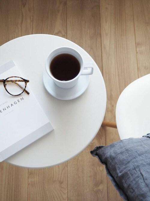 sarasa design storesarasa design storeさんの家具「b2c サイドテーブル ラウンド(sarasa design|サラサデザイン)」を使ったコーディネート