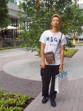 LOUIS VUITTON(ルイヴィトン)のショルダーバッグを使ったメンズ人気ファッションコーディネート(地域:アメリカ) - WEAR