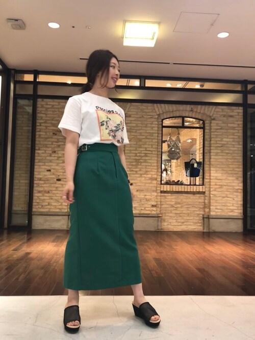 UNITED TOKYO MARUNOUCHIゆかわひとみさんのスカート「グルカマキシタイトスカート(UNITED TOKYO ユナイテッドトウキョウ)」を使ったコーディネート