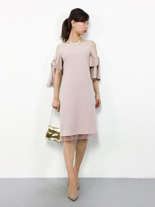 ZOZOTOWNKIIさんのドレス「【結婚式・お呼ばれ対応ワンピースドレス】裾オーガンジーオープンショルダーワンピース・パーティードレス(GIRL|ガール)」を使ったコーディネート