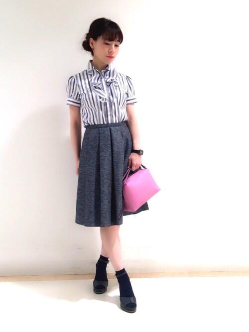 NARACAMICIE 神戸大丸店Rosettaさんのシャツ/ブラウス「イタリアンストライプフロントフリル半袖シャツ(NARACAMICIE ナラカミーチェ)」を使ったコーディネート