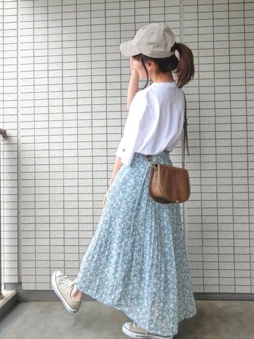 みみこさんの「ドット&花柄アソートプリーツスカート(PairPair)」を使ったコーディネート