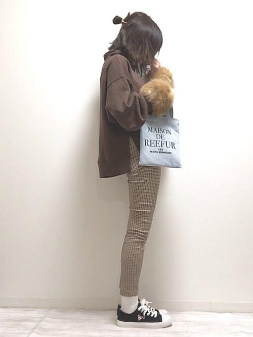 norimamiさんのTシャツ/カットソー「AUNT MARIE'S サイドスリットハイネック裏毛スウェット(Aunt Marie's|アントマリーズ)」を使ったコーディネート
