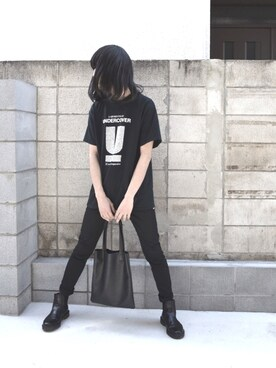 "mao is wearing the case ""【THE CASE】COW LEATHER TOTEBAG/牛革 レザー トートバッグ"""