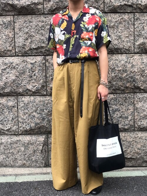 そうちゃんさんの「ハワイアンフラワーシャツ(MR.GENTLEMAN)」を使ったコーディネート
