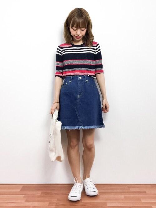 レディなスタイルに使えるデニムフロントボタンスカート
