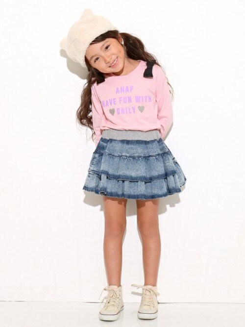 salesANAP KIDS OfficialさんのTシャツ/カットソー「肩リボンロンT(ANAP kids アナップキッズ)」を使ったコーディネート