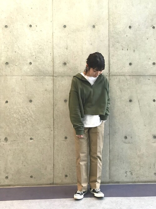 MILKFED. 名古屋杉本  奈々子さんのパーカー「HALF ZIP HOODIE(MILKFED.|ミルクフェド)」を使ったコーディネート