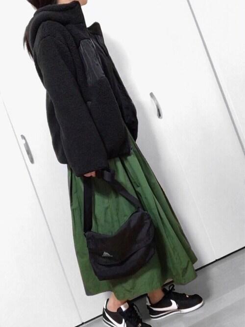 めるもさんのTシャツ/カットソー「ドットフロッキードルマンカットソー(qualite|カリテ)」を使ったコーディネート