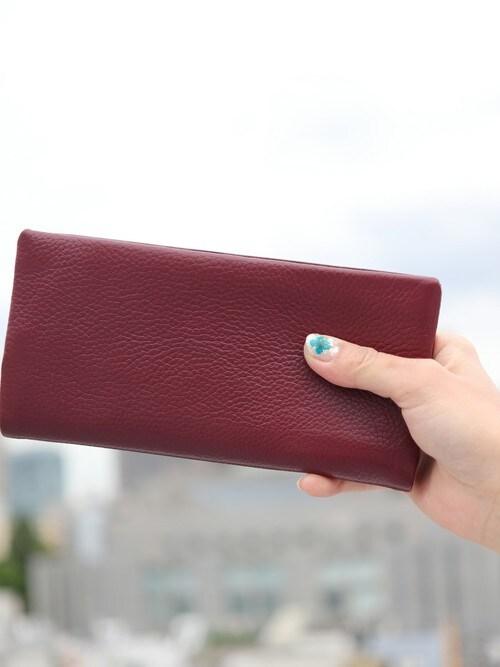 floristFLORIST(フローリスト)さんの財布「【牛革】シンプル大容量カード入れ長財布(florist|フローリスト)」を使ったコーディネート