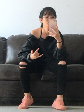 xvnnlle is wearing thrifted