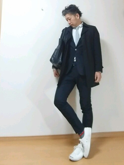 スーツ スニーカーコーデの画像3
